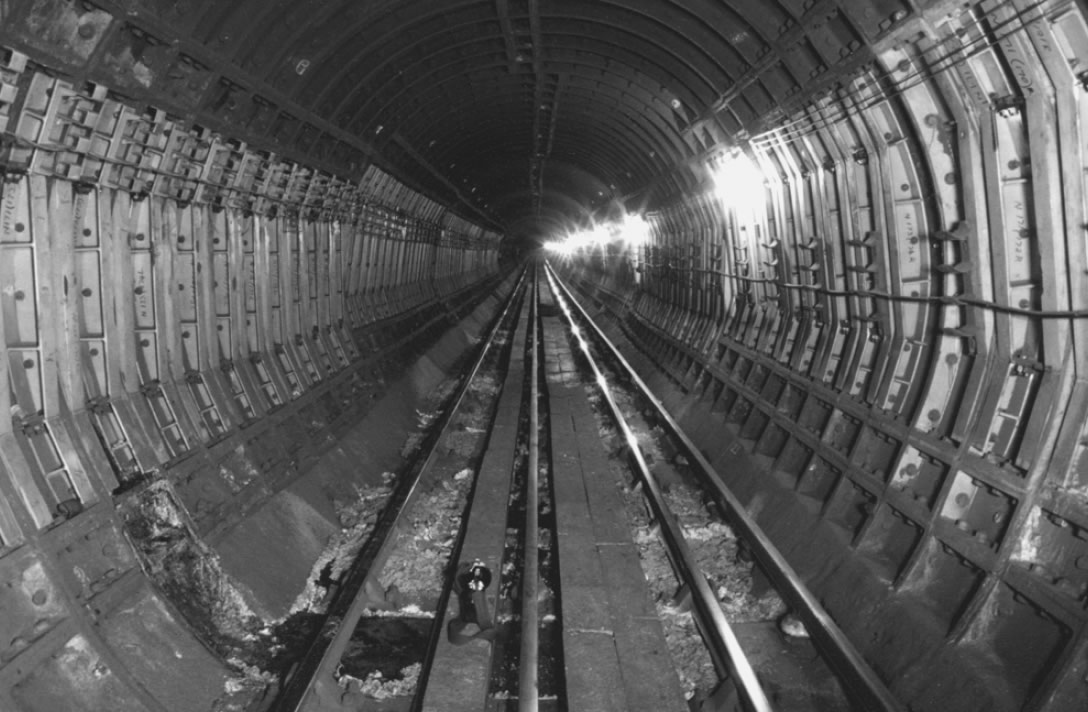 Strapping on the Northern Line south of Old Street in the 1960s