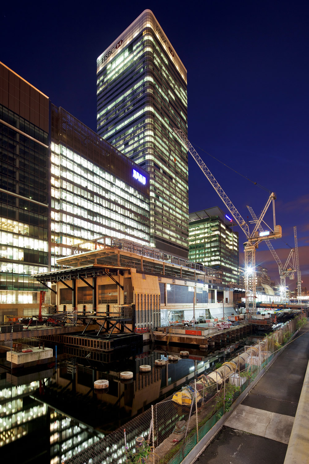 In Pictures Canary Wharf Crossrail Station London