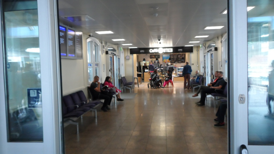 Clapham Junction waiting room