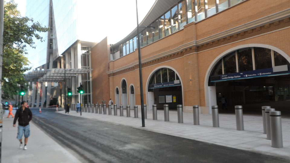 St Thomas Street main entrance