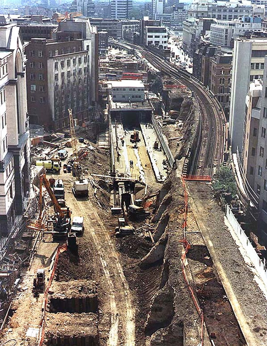 Construction of City Thameslink box in 1990 looking south