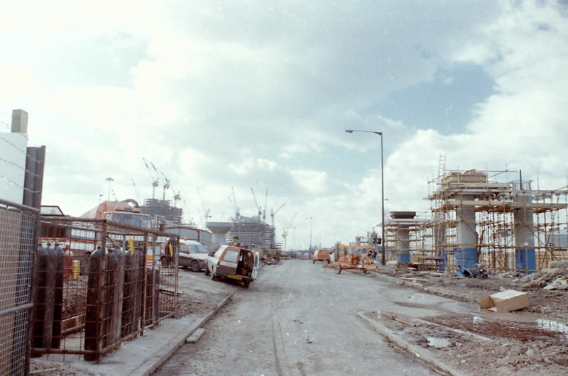 The Beckton Extension under construction in 1990