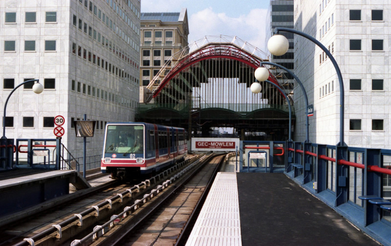 Canary Wharf station in 1991