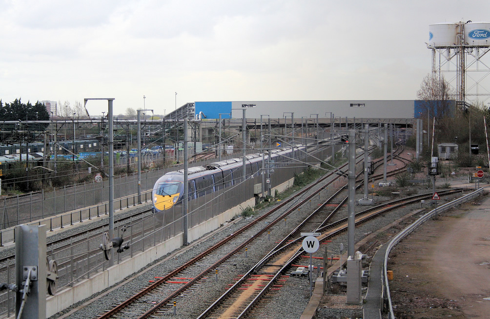 Southeastern Class 395 unit at Dagenham Dock