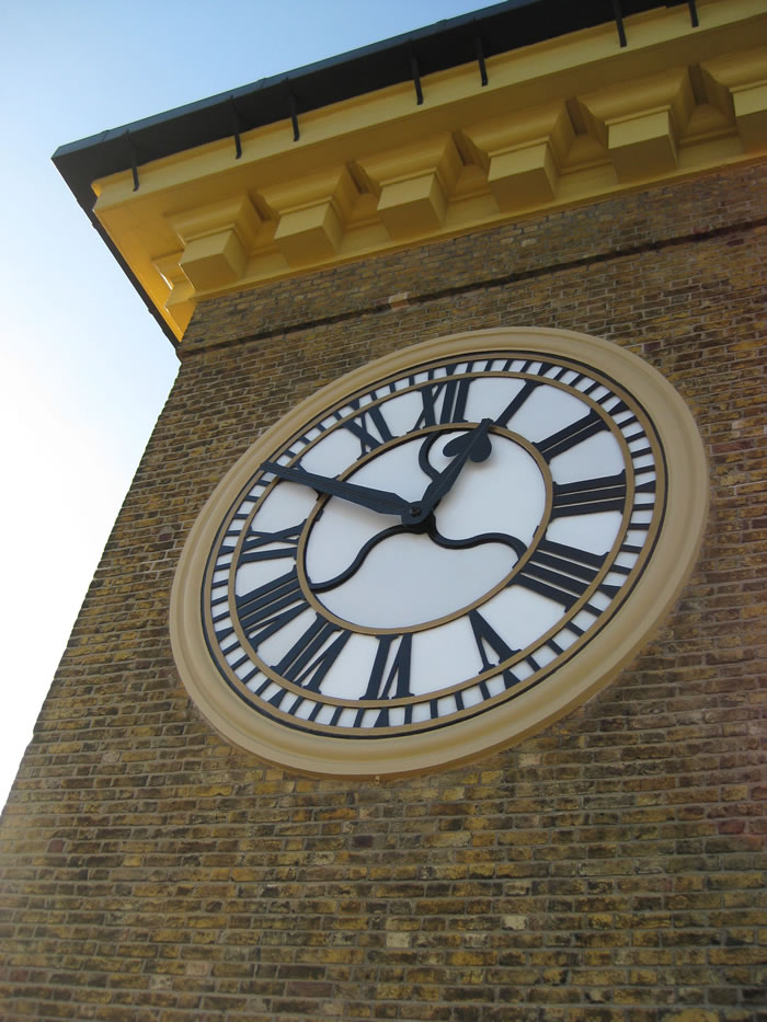 The Clock at Kings Cross
