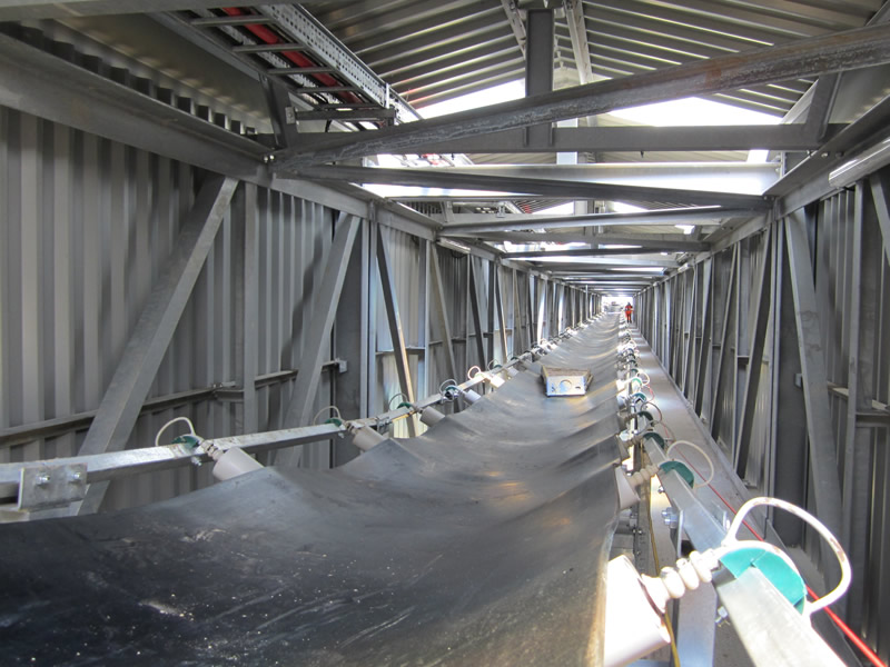 Inside the conveyor bridge