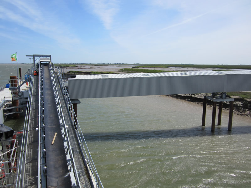 The conveyor link from the top of the superstructure