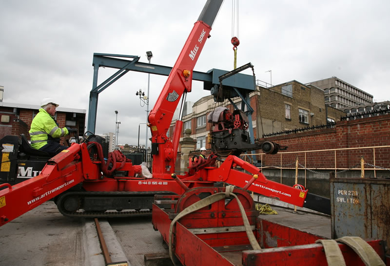 The mini-crane used, with the second unit