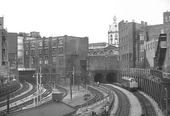 Farringdon Met sidings looking east