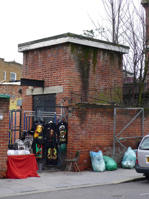 Lifting equipment at Camden Town (North Entrance)