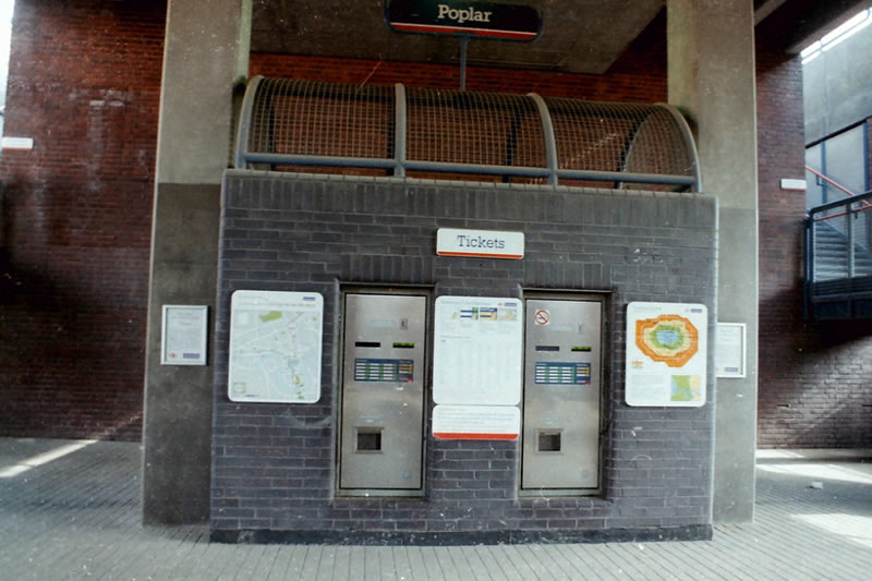Ticket machines at Poplar, 1990