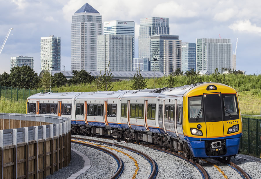 378232 with Canary Wharf behind her
