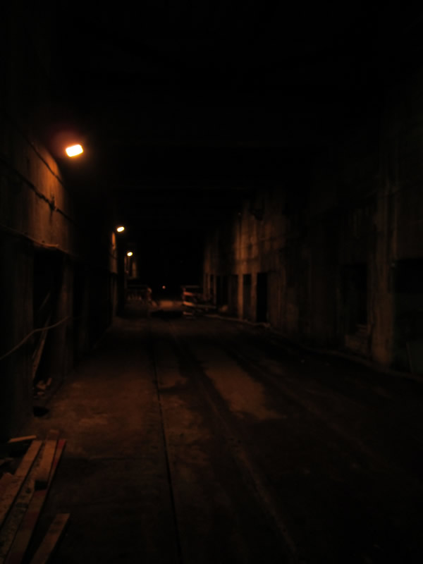 The dark descends once past the Crossrail worksite