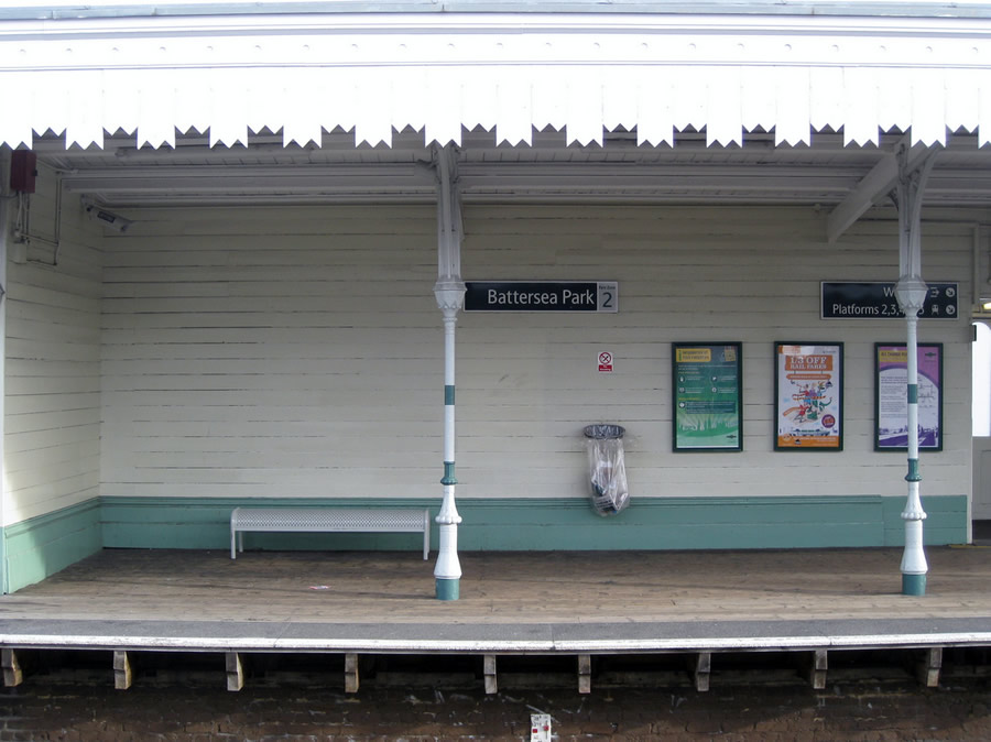 The wooden platform at Battersea Park